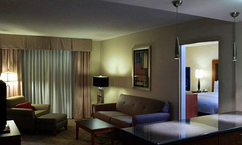 Towne Centre Holiday Inn